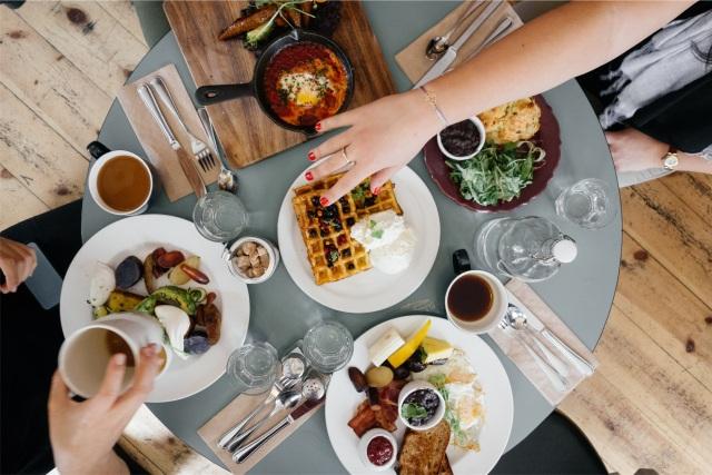 Breakfast Sharing